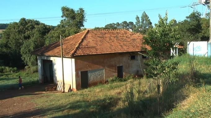Antiga casa de máquinas da Usina Carlos Mathias Becker - Toledo