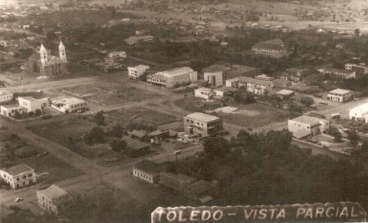 Vista aéra da Praça Willy Barth - 1957